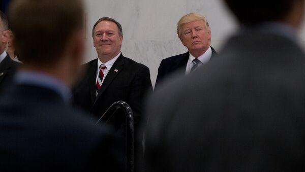 ポンペオ米国務長官とトランプ大統領 - Sputnik 日本