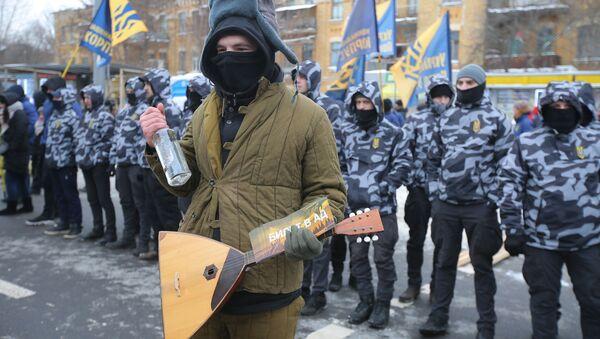 ウクライナ警察と国家主義者がロシア大統領選挙を妨害 - Sputnik 日本