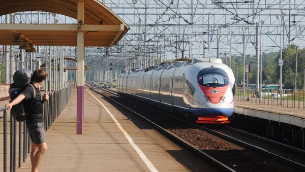 サッカーW杯ロシア大会時、モスクワとペテルブルク間で追加の高速列車運行へ - Sputnik 日本