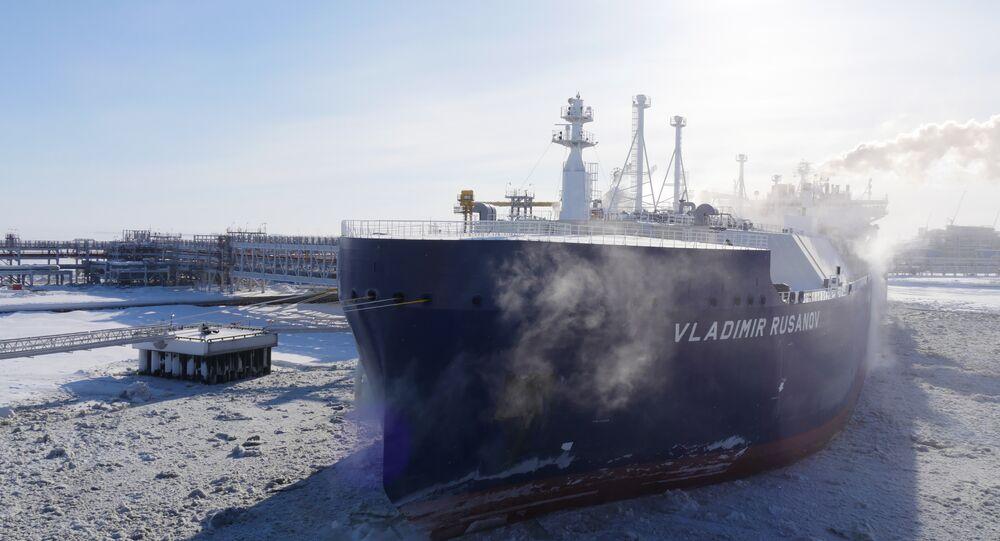 日本初の氷を砕くLNG船、ロシアの最果てから輸送を開始:北極海航路の大きな可能性