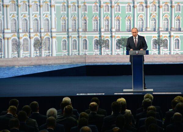 プーチン大統領は語る。「外国企業は、その多くが政治的圧力をかけられているにも関わらず、ロシア進出を加速させている」 - Sputnik 日本