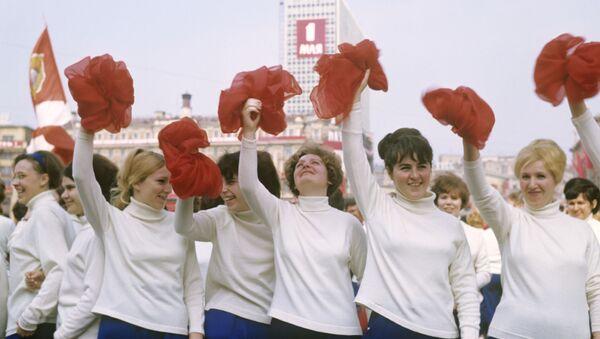 5月1日の祝日を祝うソ連の若者 - Sputnik 日本