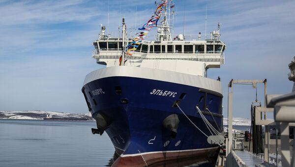 後方支援船『エリブルス』 - Sputnik 日本