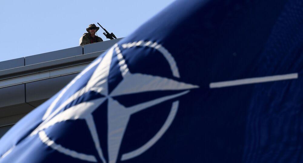 NATOの旗