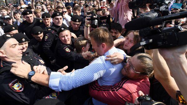 モスクワ中心部 無許可の市民集会に1500人が参加 逮捕者も - Sputnik 日本