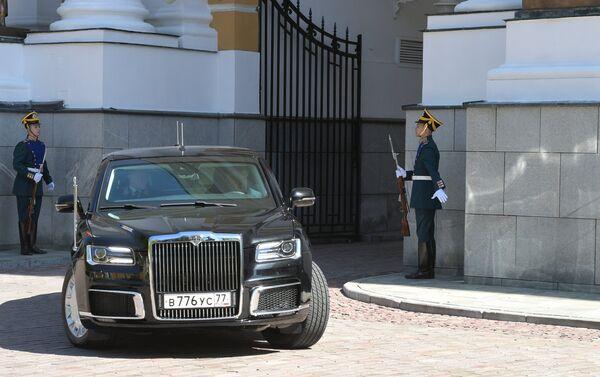 プーチン氏 大統領就任式に国産新車で - Sputnik 日本