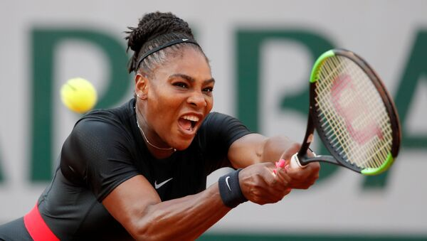 Tennis - French Open - Roland Garros, Paris, France - June 2, 2018 Serena Williams of the U.S. in action during her third round match against Germany's Julia Goerges - Sputnik 日本