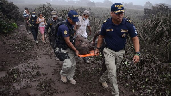 グアテマラ、フエゴ火山噴火で死者99人に 【動画・写真】 - Sputnik 日本