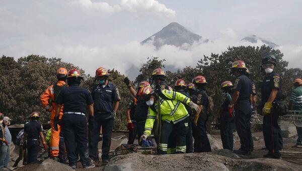 グアテマラ噴火、死者109人に 救助活動停止 【写真】 - Sputnik 日本