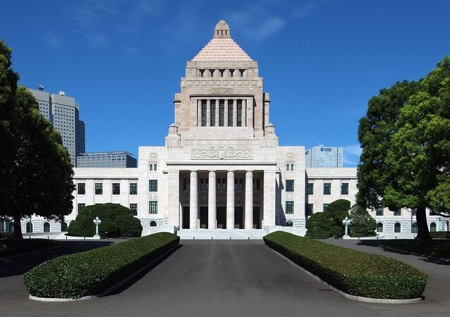 政府、公文書管理で人事評価 決裁後修正は原則禁止