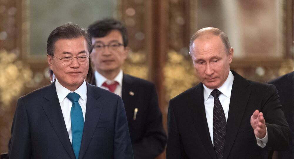 韓国の文在寅大統領とロシアのプーチン大統領