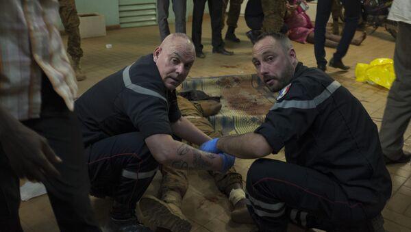Equipo francés de respuesta rápida trabaja en el lugar del ataque terrorista - Sputnik 日本