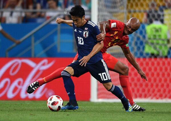 日本代表の香川真司選手とベルギー代表のヴァンサン・コンパニ選手 - Sputnik 日本