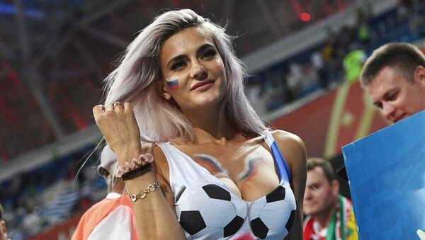 FIFA、テレビ局に対し魅力的な女性ファンのカットを減らすよう要請 - Sputnik 日本