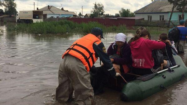 ロシアで洪水 救助隊の活動や住民の避難の様子が動画に収められる - Sputnik 日本