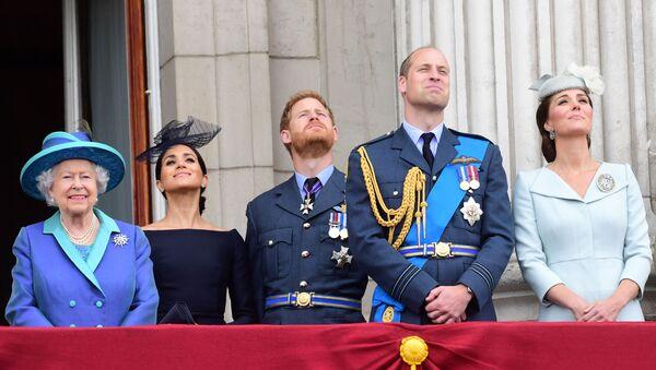 Члены британской королевской семьи принимают участие в праздновании столетия Королевских военно-воздушных сил в Лондоне - Sputnik 日本