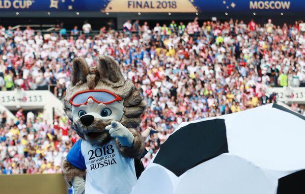 閉会式にいたロシアW杯のマスコットキャラクター、ザビワカ - Sputnik 日本