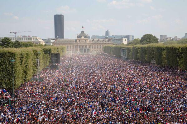 フランスサポーター。パリにあるファンゾーンで - Sputnik 日本