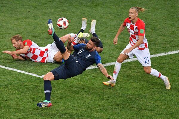 フランス対クロアチアの試合中の選手 - Sputnik 日本