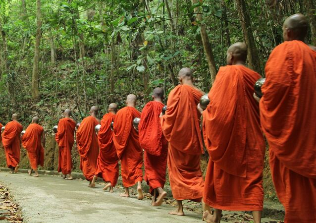 タイの仏僧