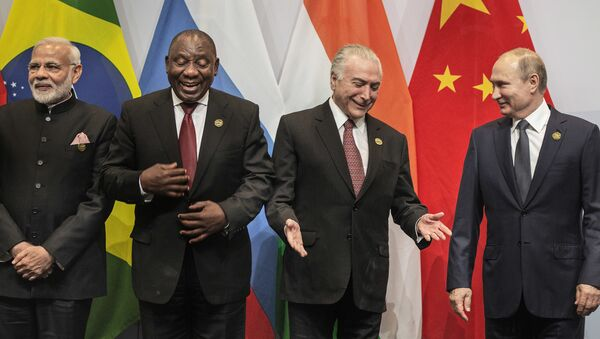 BRICS首脳会議の記念撮影、国旗間違いで失敗 - Sputnik 日本
