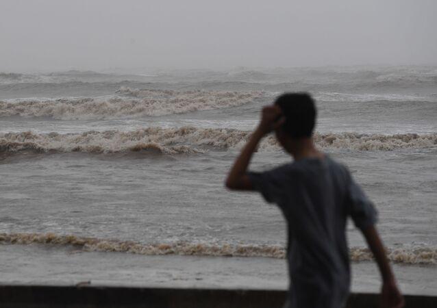 台風(アーカイブ写真)