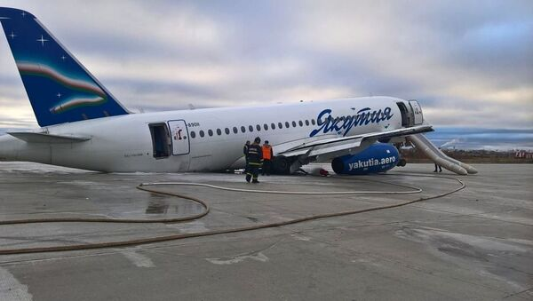 シベリアで旅客機が滑走路を飛び出し胴体着陸 負傷者複数 - Sputnik 日本
