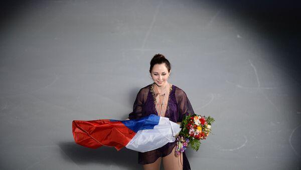 Росийская фигуристка Елизавета Туктамышева, завоевавшая золотую медаль в женском одиночном катании на чемпионате мира по фигурному катанию в Шанхае, на церемонии награждения - Sputnik 日本