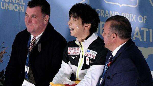 羽生と離れ「寂しい」オーサー氏 お互いに地球の裏側にいても何かがある バーチャル指導は優れたコーチになるためにプラス  - Sputnik 日本
