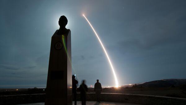 大陸間弾道ミサイル「ミニットマンIII」 - Sputnik 日本