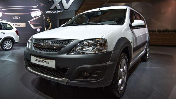 Автомобиль Lada Largus Cross на 11-ой международной выставке автомобильной индустрии Интеравто - Sputnik 日本