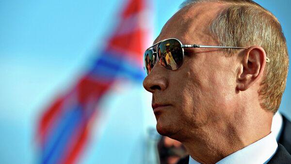 Президент России Владимир Путин во время посещения гвардейского ракетного крейсера Москва Черноморского флота в Морском порту Сочи - Sputnik 日本