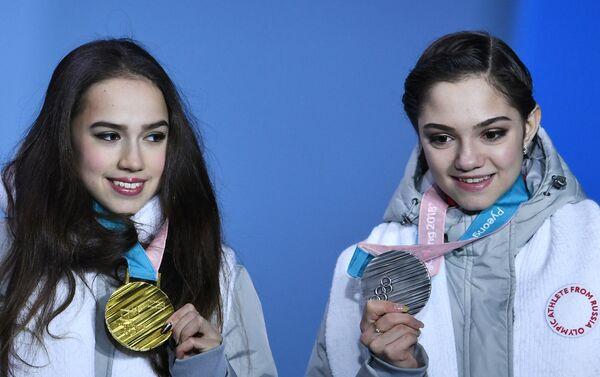 2018年平昌五輪に出場したザギトワとメドベージェワ  - Sputnik 日本
