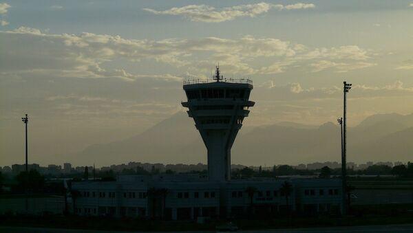 Диспетчерская вышка аэропорта Антальи, Турция - Sputnik 日本