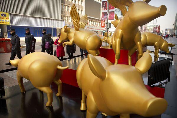 黄金のブタ像 北京 - Sputnik 日本