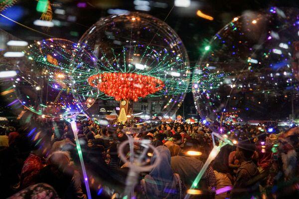 春節のお祝いで店に集う人々 インドネシア - Sputnik 日本