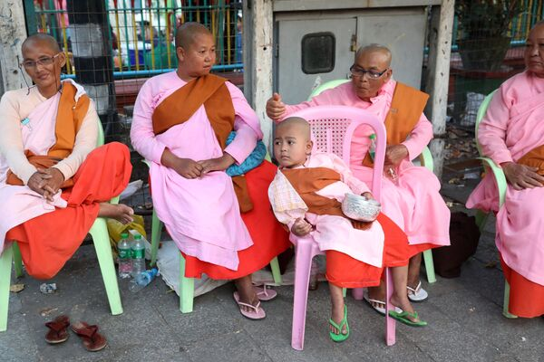 寺院の僧侶たち ミャンマー - Sputnik 日本