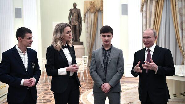 ロシアのプーチン大統領、若手企業家向け国家賞の受賞者らとの面会で - Sputnik 日本