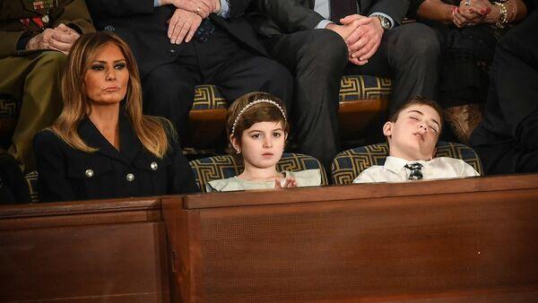 トランプ大統領の演説中に同性ジョシュア君が熟睡 一躍有名に - Sputnik 日本