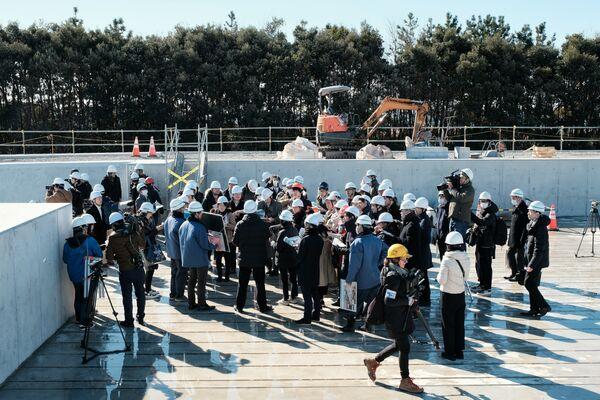東京都は大会組織委員会とともに、各施設の建設現場を巡る記者向けの見学ツアーを定期的に実施している - Sputnik 日本