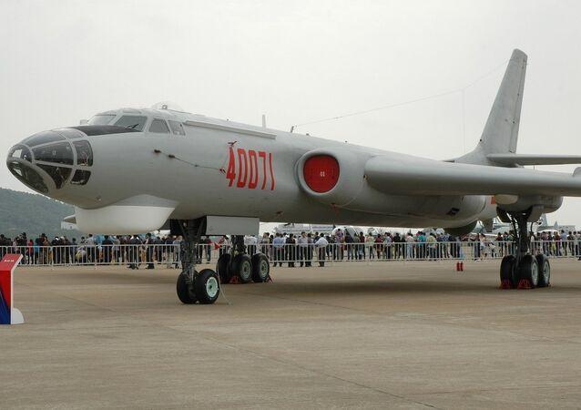 中国の爆撃機H-6