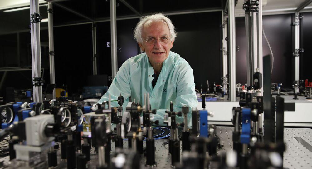 2018年ノーベル物理学賞を受賞したフランス人のジェラール・ムールー氏