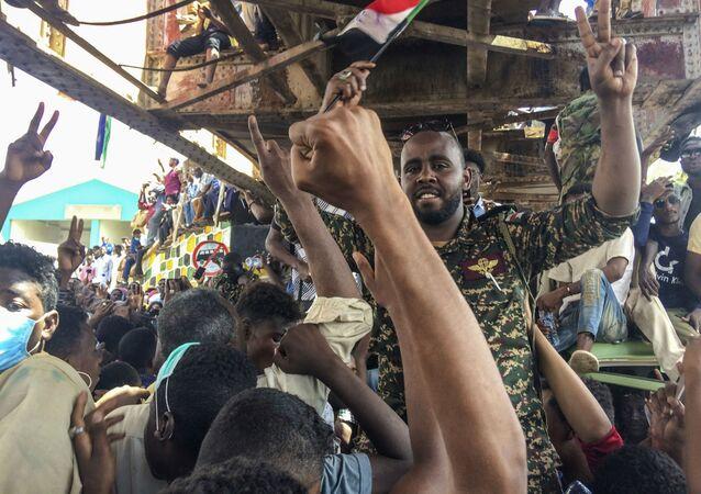スーダンで抗議