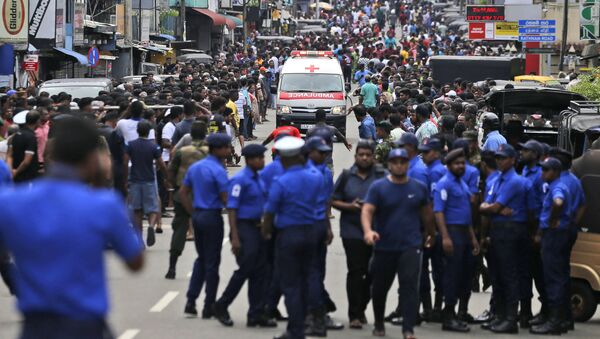 スリランカ爆破テロの容疑者5人を拘束=ICPO - Sputnik 日本
