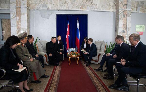 金正恩氏、同地方及びロシア外務省の代表者らとの面会 - Sputnik 日本