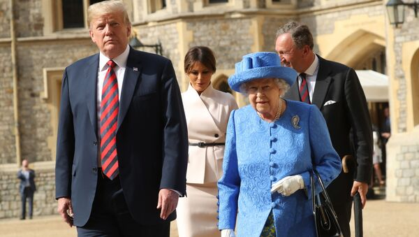 トランプ氏とエリザベス英女王(アーカイブ写真) - Sputnik 日本