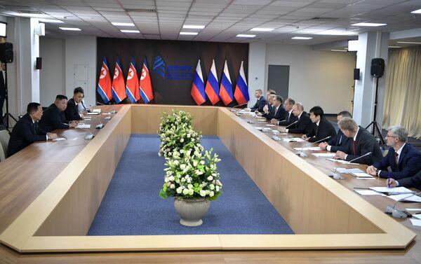 プーチン大統領と金氏の初の首脳会談 - Sputnik 日本