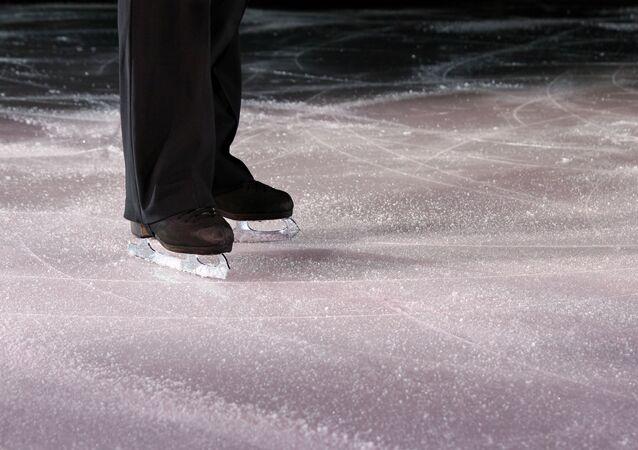 フィギュアスケート選手(アーカイブ写真)