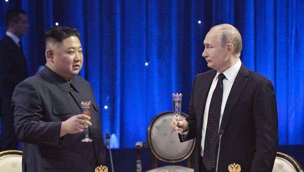 金正恩氏、「ロシアの日」を受けてプーチン大統領に祝電 - Sputnik 日本