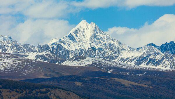 アルタイ山脈で雪崩 旅行客7人が犠牲 - Sputnik 日本
